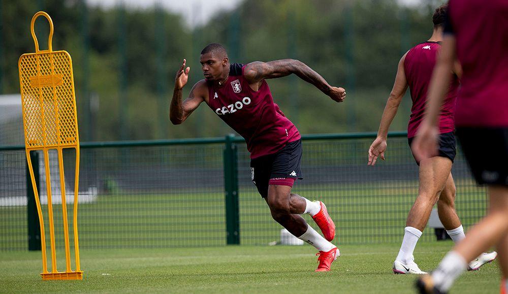 GALLERY: Villa prepare for Stoke City trip 📸